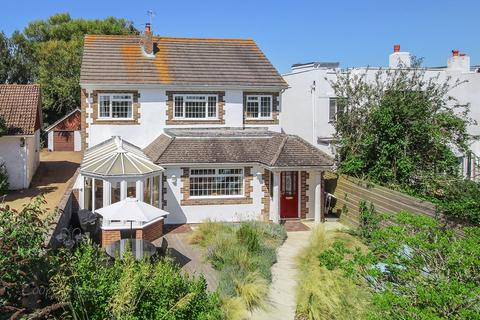 4 bedroom detached house for sale - Ferringham Way, Ferring, Worthing, BN12