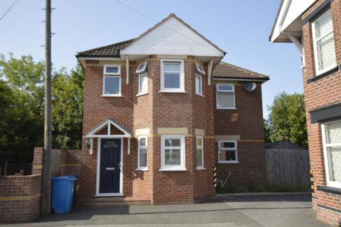 4 bedroom detached house for sale - Tolstoi Road, Poole, Dorset BH14 0QJ, UK