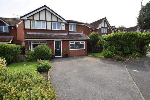 4 bedroom detached house - Estonfield Drive, Urmston, M41