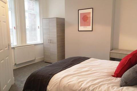 6 bedroom house share to rent - Stockport Road, Ashton Under Lyne,