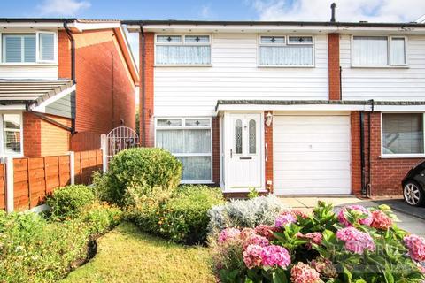 3 bedroom semi-detached house for sale - Esk Close, Davyhulme, Trafford, M41