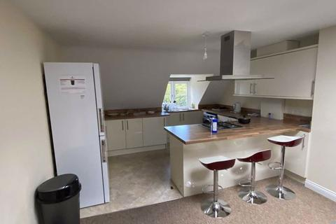 3 bedroom apartment to rent - AVAILABLE 5th March 2021- 3 double bed 2 en-suites & 1 bathroom Bournemouth