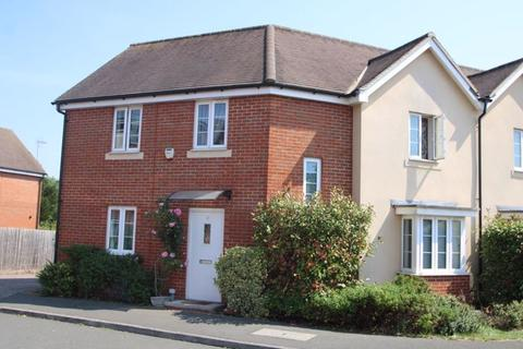 3 bedroom semi-detached house for sale - Milton Place, High Wycombe