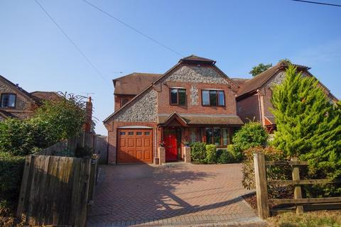 5 bedroom detached house for sale - Hatches Lane, Great Kingshill, HP15