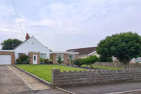 4 bedroom detached bungalow for sale - Highlight Lane, Barry