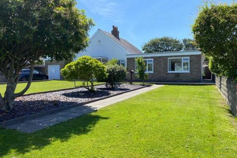 3 bedroom detached bungalow for sale - Highlight Lane, Barry