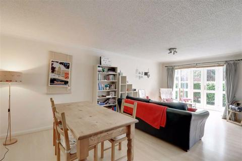2 bedroom flat to rent - Ashburne House, Manchester