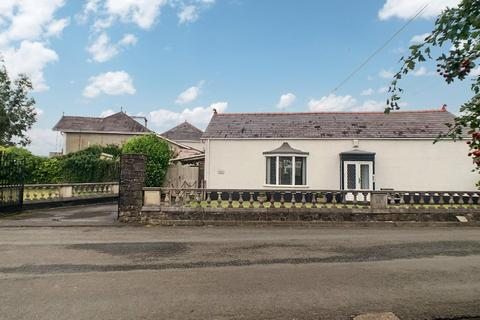 2 bedroom detached bungalow for sale - Garnswllt Road, Pontarddulais, Swansea