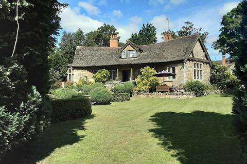 4 bedroom detached house to rent - St. Pauls Street, Stamford