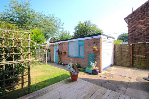 3 bedroom semi-detached house for sale - Brookdale Road, Leicester