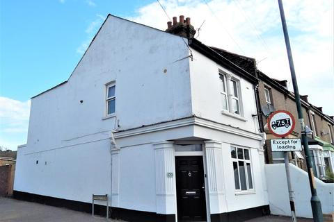 3 bedroom end of terrace house for sale - Frindsbury Road, Rochester