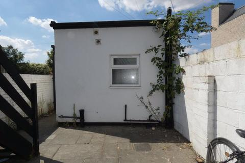 Studio to rent - Mill Road, Cambridge