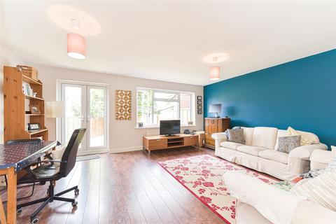 3 bedroom house for sale - Glovers Road, Reigate
