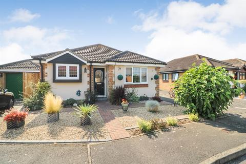 3 bedroom detached bungalow for sale - Wick Farm Road, St. Lawrence