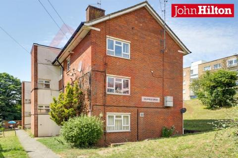3 bedroom flat for sale - Selsfield Drive, Brighton