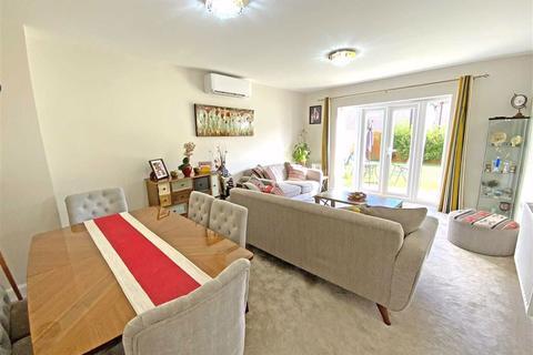5 bedroom detached house for sale - Devana Way, Great Glen, Leicester