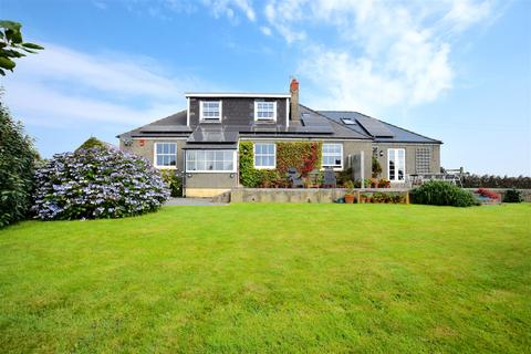 6 bedroom detached bungalow for sale - Broad Haven, Haverfordwest