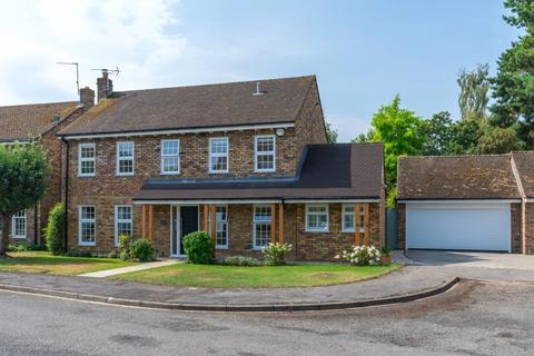 4 bedroom detached house for sale - Lodge Close, Marlow, Buckinghamshire, SL7