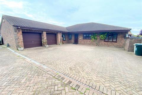 3 bedroom bungalow - Magna Mile, Ludford, Market Rasen, LN8 6AJ