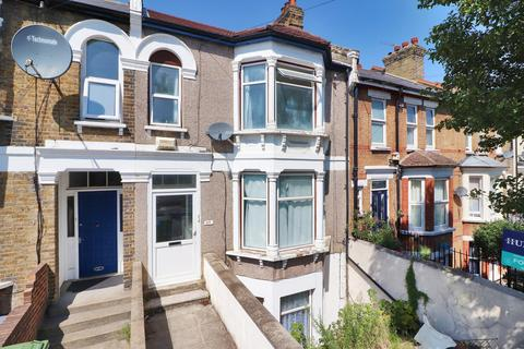 4 bedroom terraced house - Eglington Road, Plumstead, London, SE18 3SJ