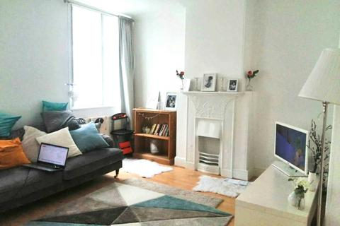 2 bedroom flat to rent - Wardour Street, Soho,W1F