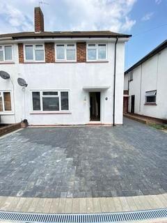 4 bedroom semi-detached house to rent - Regent Avenue, uxbridge, Greater London, UB10