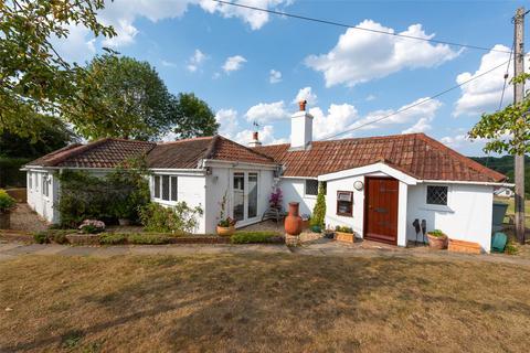 4 bedroom bungalow for sale - Old Lane, Ashford Hill, Thatcham, Hampshire, RG19