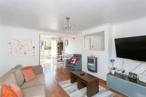 3 bedroom terraced house - Lemonfield Drive, Garston, Hertfordshire, WD25