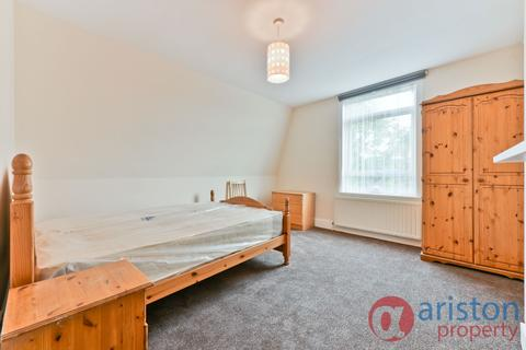 4 bedroom flat to rent - Lausanne Road, Harringay