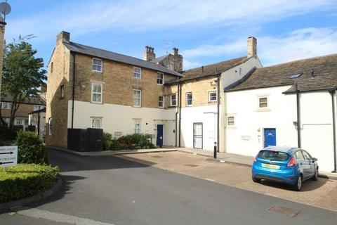 2 bedroom apartment for sale - Shires Court, Boston Spa, Wetherby, LS23 6BD