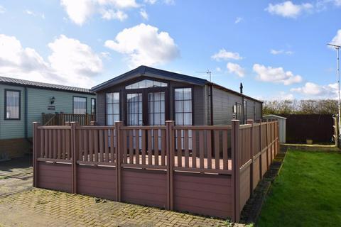 2 bedroom lodge for sale - Cogenhoe Northamptonshire