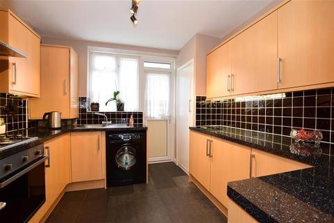 1 bedroom ground floor flat for sale - Longbridge Road, Barking, Essex