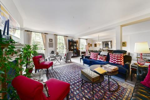 4 bedroom flat for sale - Lowndes Square, London, SW1X