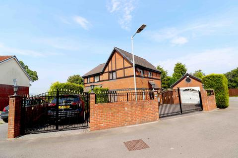 3 bedroom semi-detached house for sale - Clos Eileen Chilcott,  Swansea, SA7