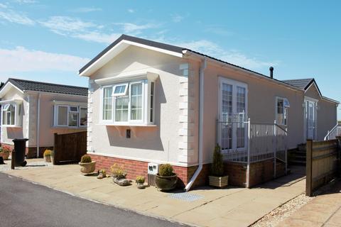 2 bedroom mobile home for sale - Valdean Park, The Dean, Alresford