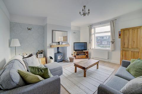 3 bedroom terraced house for sale - Bankfield Avenue, Kirkheaton