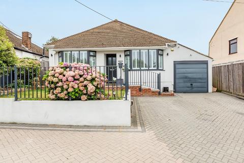 4 bedroom detached bungalow for sale - Ash Road, Hartley