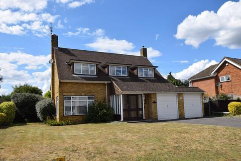 3 bedroom detached house to rent - The Fairway, Burnham, SL1