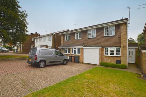 3 bedroom semi-detached house - Bramingham Road, Bramingham, Luton, Bedfordshire, LU3 2SW