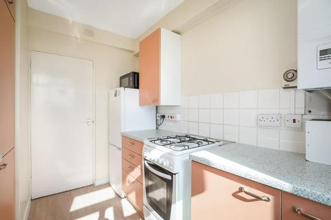 2 bedroom flat to rent - Wandsworth Road, London SW8