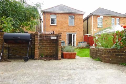 3 bedroom house for sale - Detached House. Pine Road, Winton, Bournemouth,