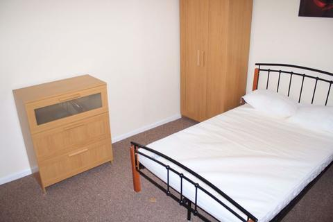 4 bedroom house share to rent - Brand new double room to rent, fully furnished with all bills included, Rodbourne, Bruce Street