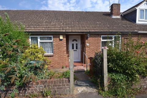 2 bedroom bungalow for sale - Hamstreet