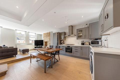 3 bedroom flat for sale - Kingswood Road, SW2