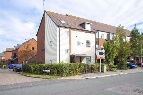 5 bedroom townhouse for sale - Walker Avenue, Wolverton Mill, Milton Keynes