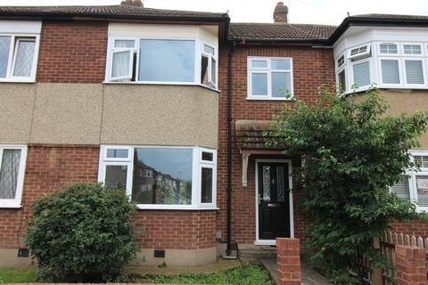 3 bedroom terraced house to rent - Franmil Road, Hornchurch, Essex, RM12