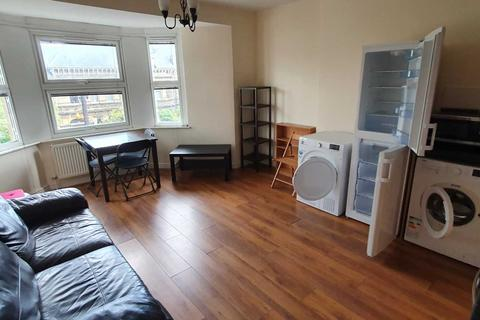 3 bedroom flat to rent - Richmond Crescent, Cardiff