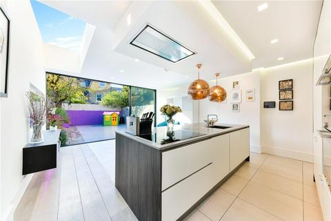 5 bedroom terraced house to rent - Alfriston Road, Wandsworth, London, SW11