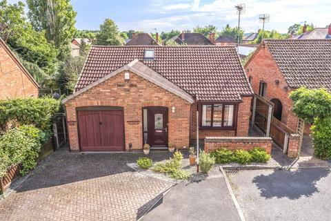 2 bedroom detached bungalow for sale - Daniel Gardens, Heighington, LN4