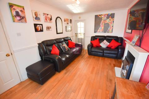 3 bedroom detached house for sale - Benmore Drive, Sothall, Sheffield, S20